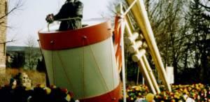 w1994-636x310